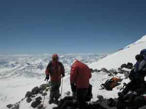 images/thumbfotogallerien/Expedition2004MountElbrusRussland5642MuM/elbrus03.jpg